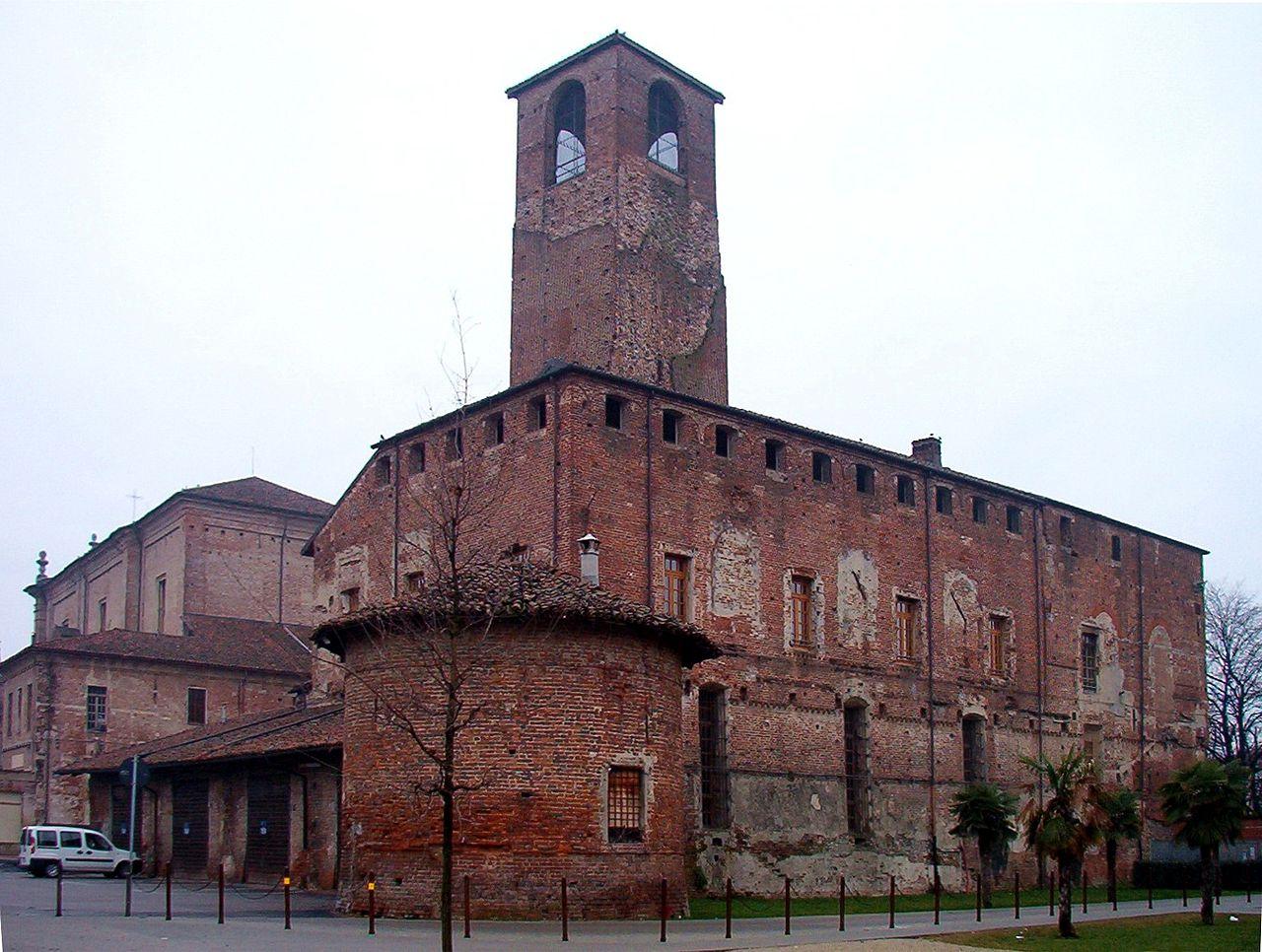 1280px-castello_carmagnola