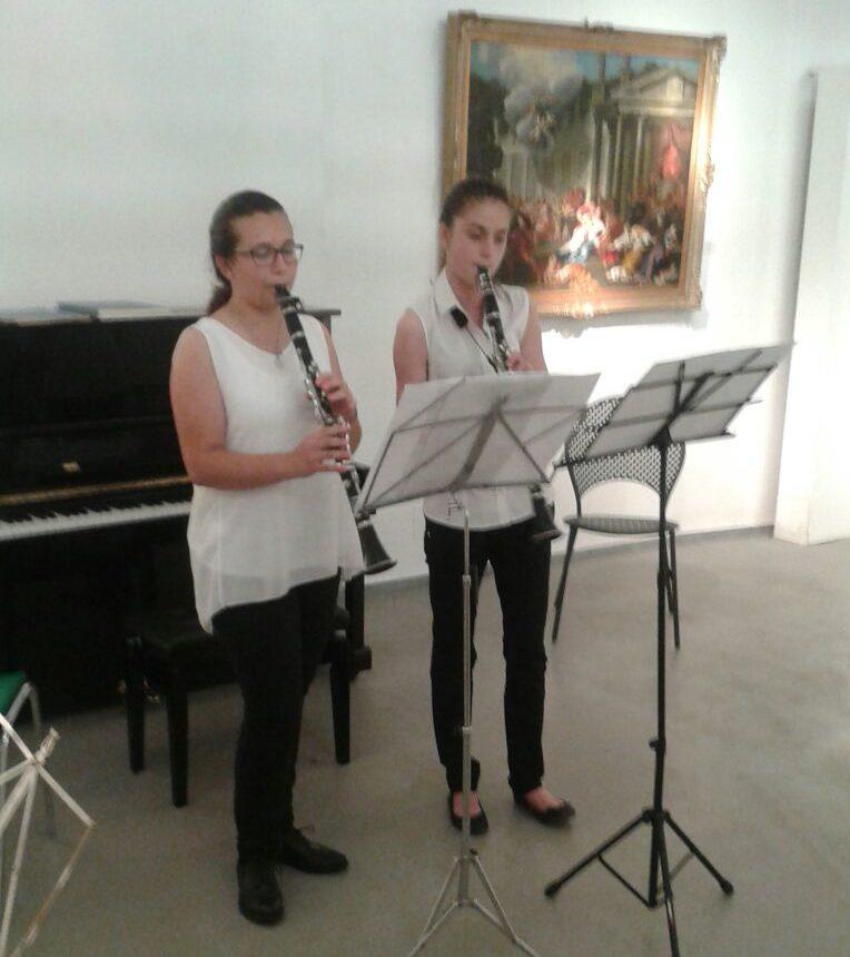 Alessia Rossano e Milena Sassi, giovani clarinettiste della Società Filarmonica